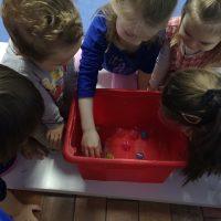 Hiszpański dla dzieci - bebe espanol - pudełko niespodzianek
