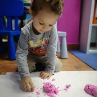 Hiszpański dla dzieci - bebe espanol - Piasek kinetyczny