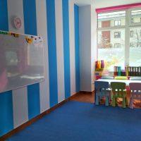 white-board-niebieska-sala-baby-english-center